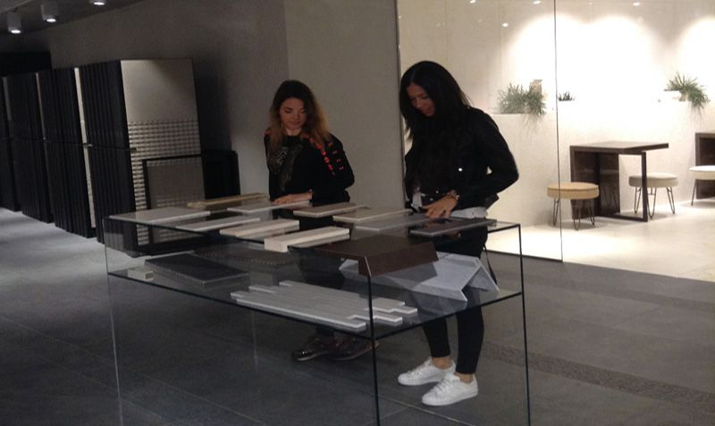 Elena Alfaro and Ana Karen Rodriguez, from IED Madrid, visited the installations from Gruppo Fiandre Iris Ceramica